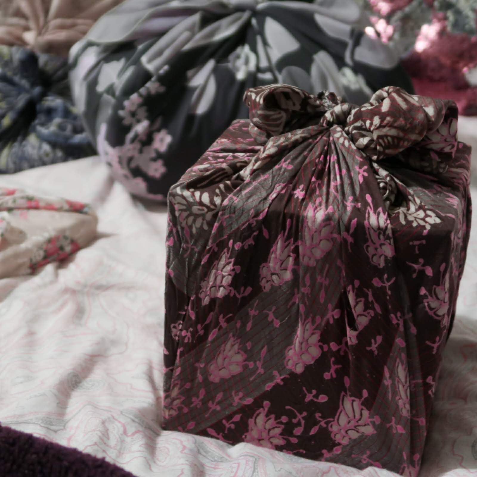 4 alternatives to traditional wrapping paper